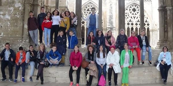 11 estudiants romanesos visiten l'Institut Joan Solà de Torrefarrera en un programa d'intercanvi