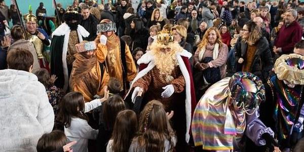 Els Reis Mags d'Orient omplen Torrefarrera de regals i il·lusió
