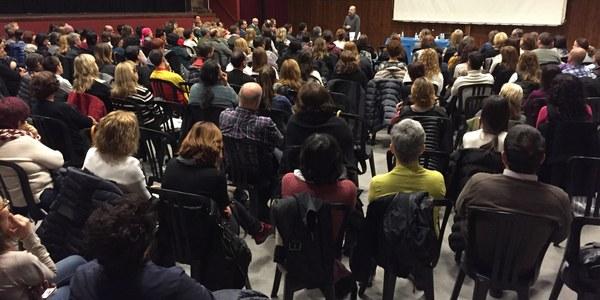Èxit d'assistència a la xerrada col•loqui sobre educació de Daniel Gabarró