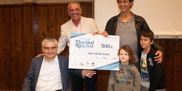 ICG Software i l'Ajuntament de Torrefarrera entreguen el premi del públic del 1r Street Art Festival a l'artista Oriol Arumí