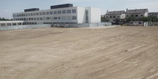 L'Ajuntament de Torrefarrera adequa el solar on el Departament d'Educació construirà el pati de l'Institut Joan Solà