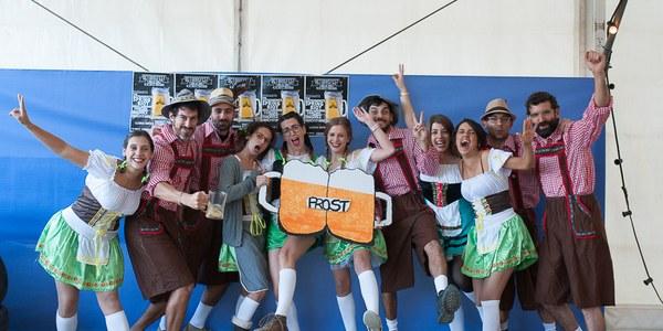 Més de 800 persones gaudeixen de la música i la cervesa a la 1a edició de l'OktorreFest