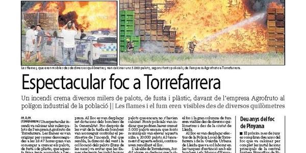 Milers de palots cremen en un foc a Torrefarrera