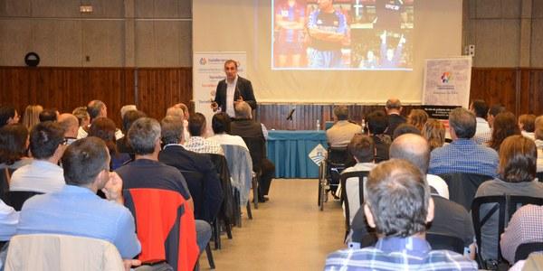 Prop de 120 persones a Torrefarrera a la xerrada  sobre motivació i innovació a les empreses, a càrrec de Xesco Espar